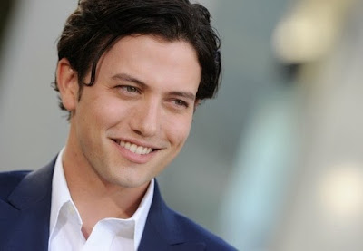 Twilight Celebrity Jackson Rathbone in addition to Sheila Hafsadi Usually are Wedded.