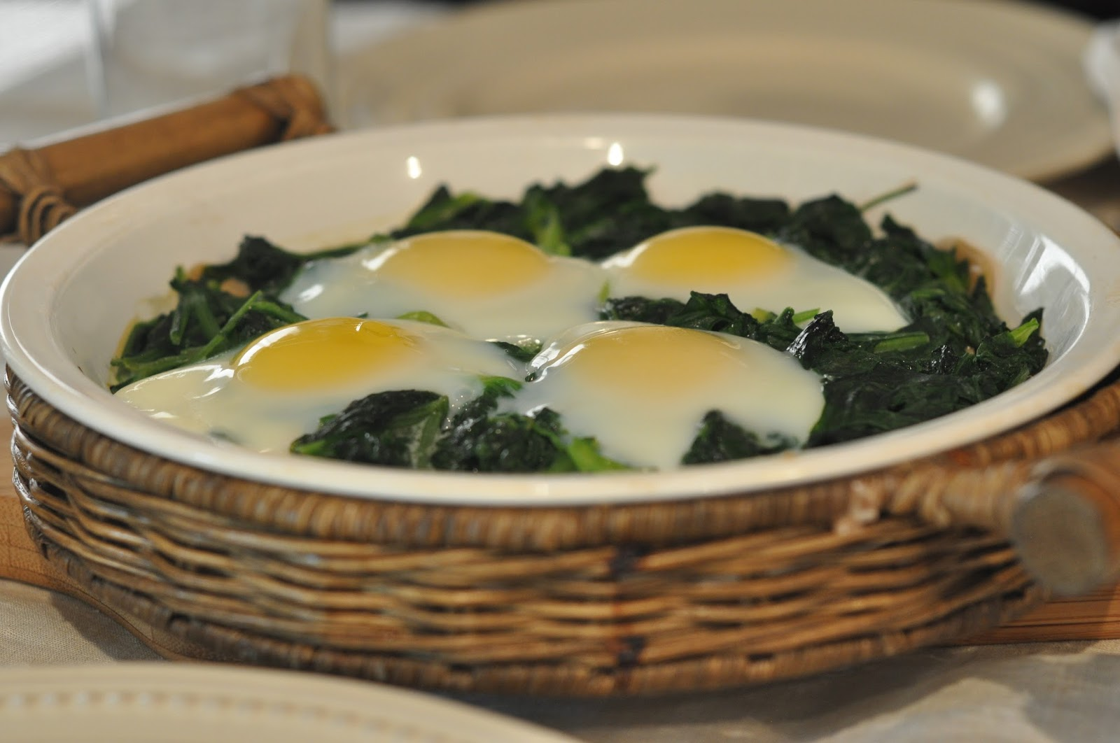 Mennonite Girls Can Cook: Spinach with Eggs
