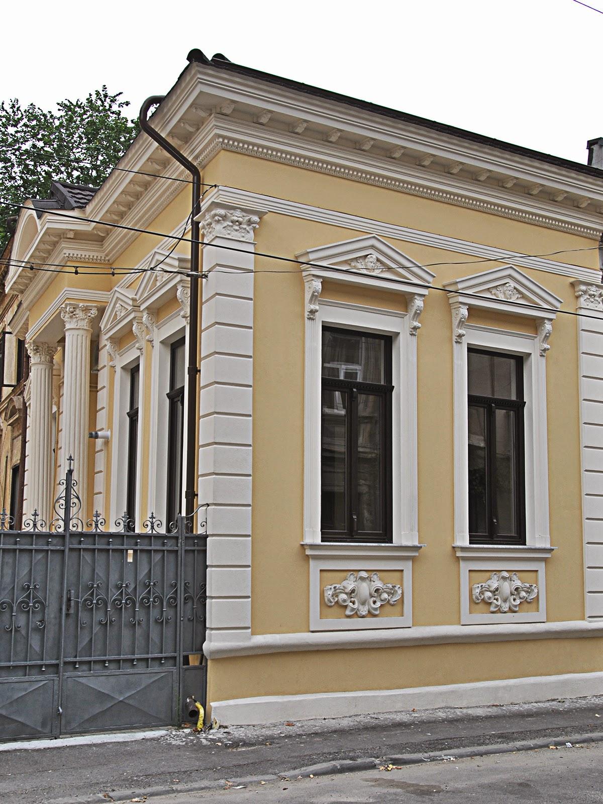 Case Vechi Restaurate cu profile polistiren, case cu fronton