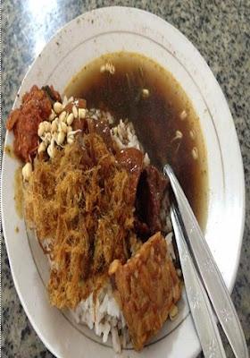 Panduan Wisata Kuliner Khas Wajib dari Kota Pahlawan, Menginap di Hotel Majapahit Surabaya