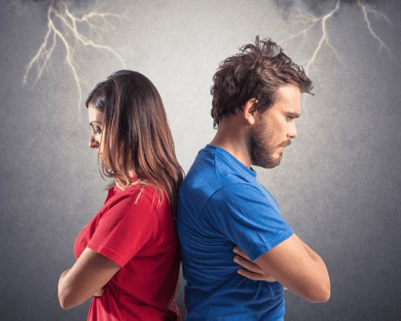 نصائح رومانسية لتُجنّبي زوجك خيانتك