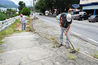 Limpeza pública em toda a extensão da Avenida Presidente Roosevelt