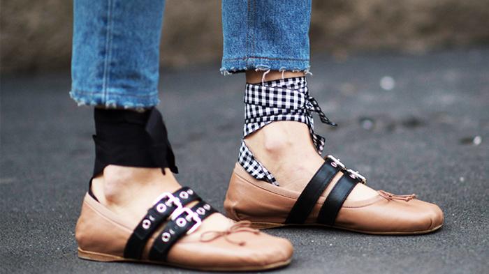 zapatos con lazos de Miu Miu