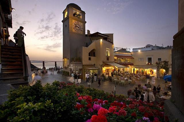 Piazzetta de Capri na Itália