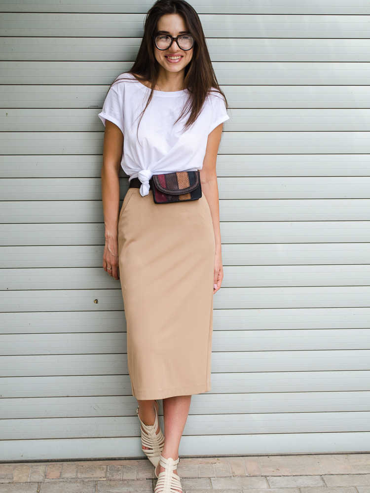 diyorasnotes fashion blogger outfit beige skirt white tshirt asos 24 - HOW I STYLE WHITE T-SHIRT