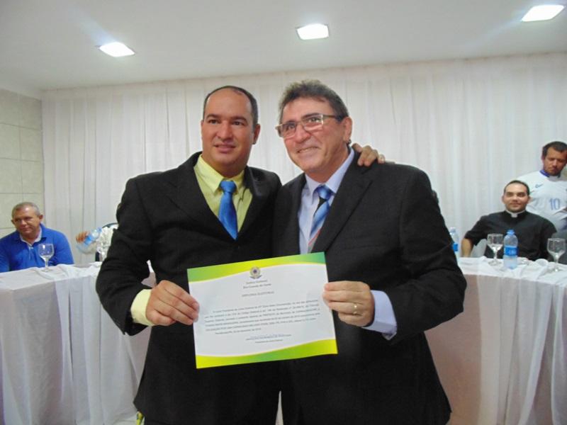 Resultado de imagem para prefeito thiago meira