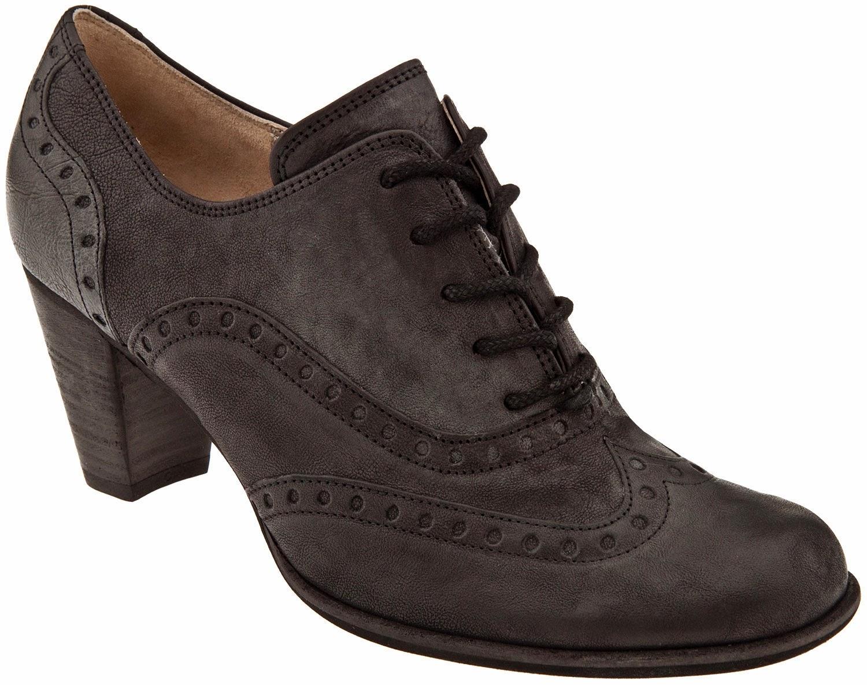 Popular Mens Tennis Shoes