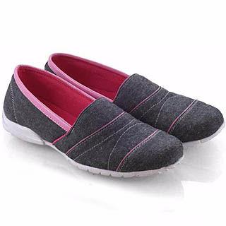 Model sepatu flat yang nyaman disukai mahasiswi