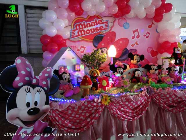 Mesa decorada de tecido Minnie Rosa - Festa de aniversário infantil