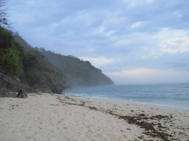Pantai Green Bowl yaitu Pantai Hits di Bali