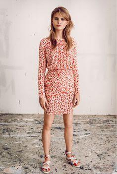 93ab41c566c Stine Goya ,37 år, är en dansk designer som har en egen stil och unikt  uttryck.Hon håller fast med sin stil oavsett hur trender kommer och går.