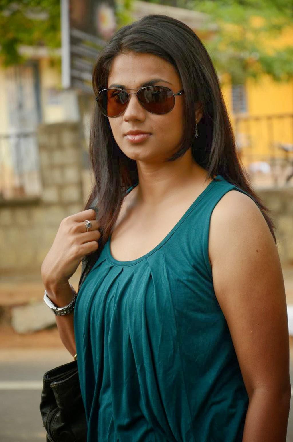 Hot Udhasha photo gallery in sandhithathum sindhithathum tamil movie