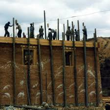 tamped-rammed-earth-castle-workers