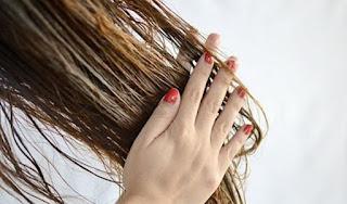 علاج تساقط الشعر بمكون منزلي بسيط