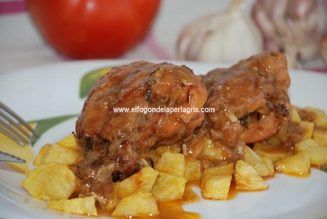 Conejo en salsa con patatas