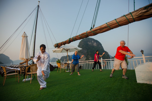 Tai chi - Maya Cruise ha long