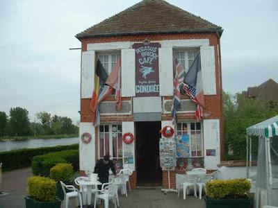 El primer café liberado de Francia