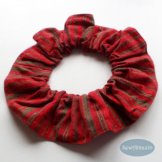 Christmas Dog Scrunchie Ruffle, Holiday Homespun