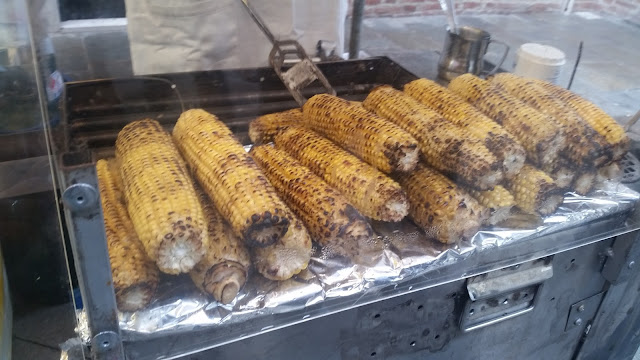 Roasted corn on the cob for La Salute