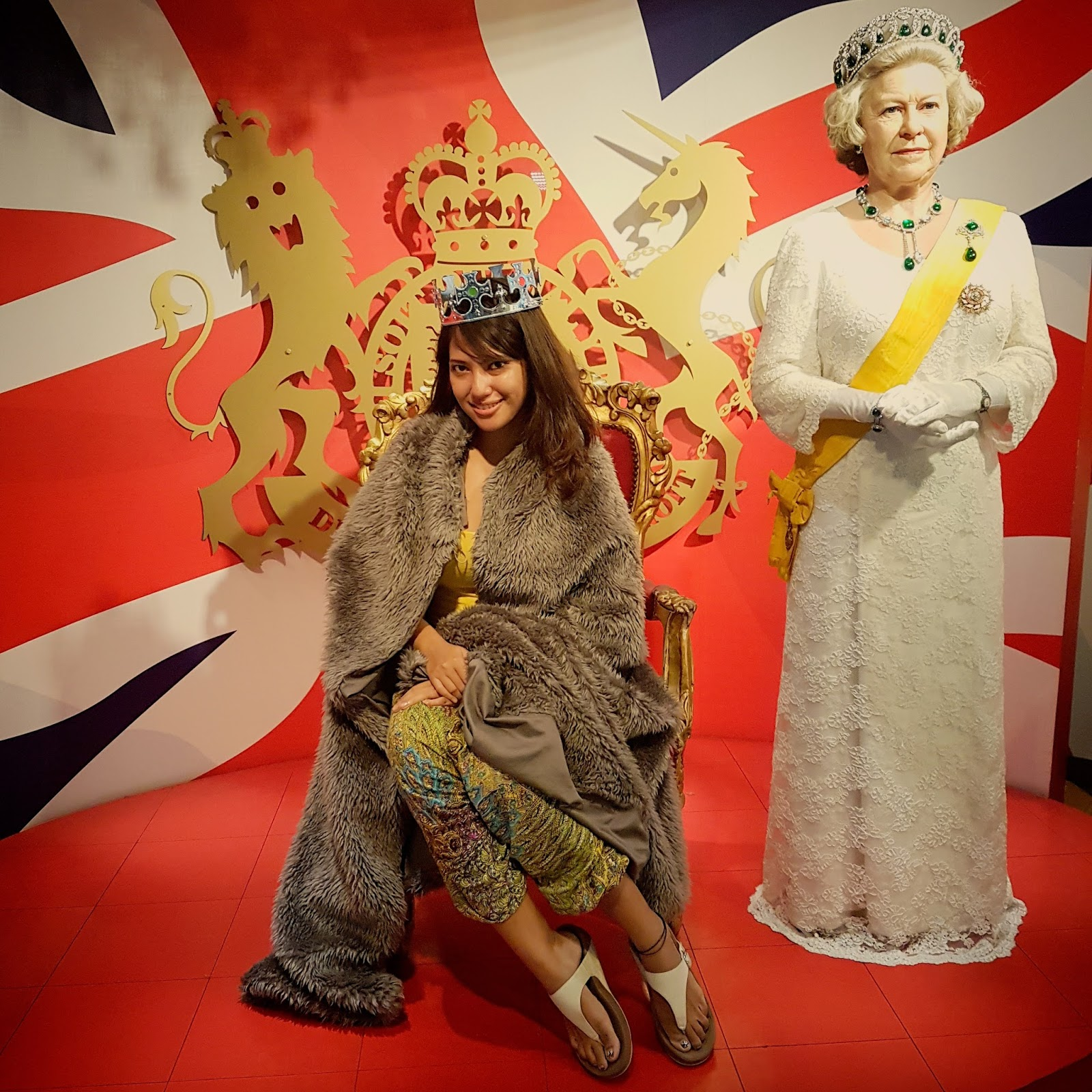 With Queen Elizabeth at Madame Tussauds Bangkok | Ummi Goes Where?