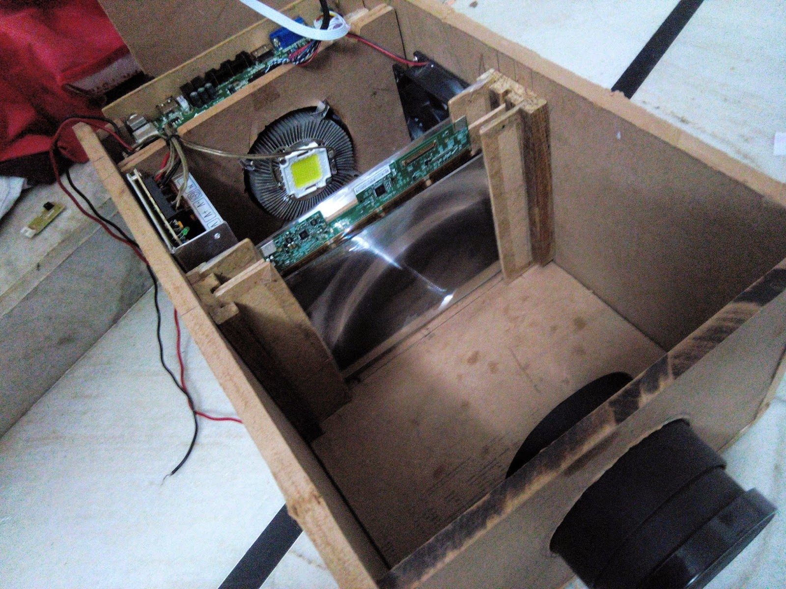 """DIY Full HD 100"""" Home Made Projector"""