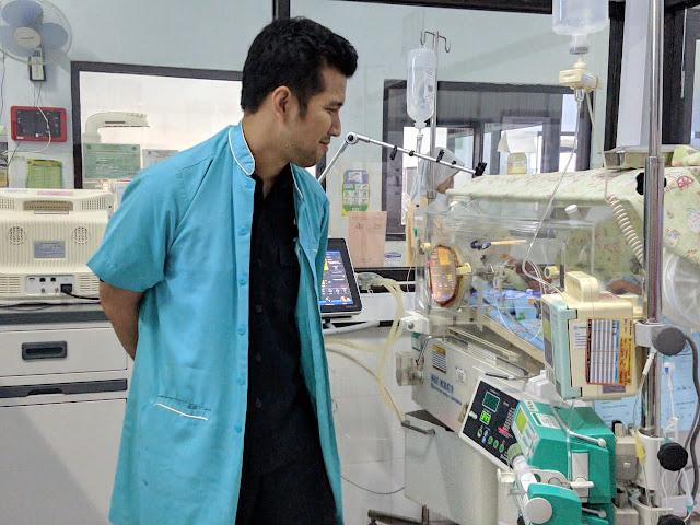 Bupati Trenggalek, Jenguk Bayi Dibuang di Rumah Sakit