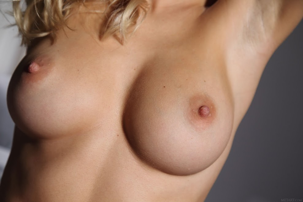 title2:MetArt Candice B Full Bosom