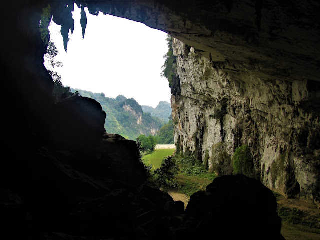 puong cave ba be national park vietnam