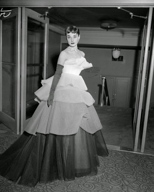 Audrey Hepburn legends.filminspector.com