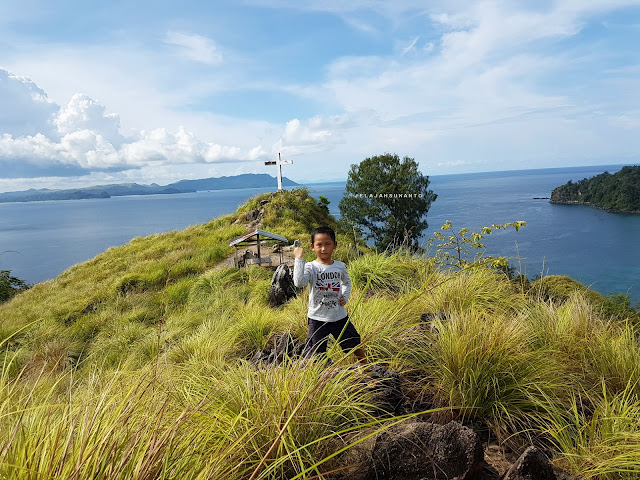 Pemandangan dari Bukit Pulisan, Likupang Timur, Minahasa Utara, Sulawesi Utara +jelajahsuwanto