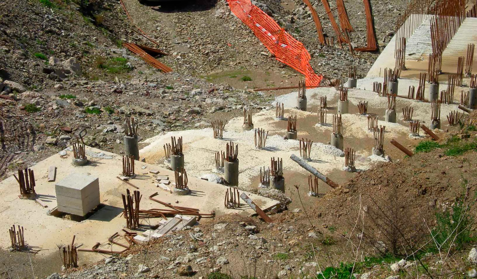 What is pile foundation what are the uses of different for Foundation pilings