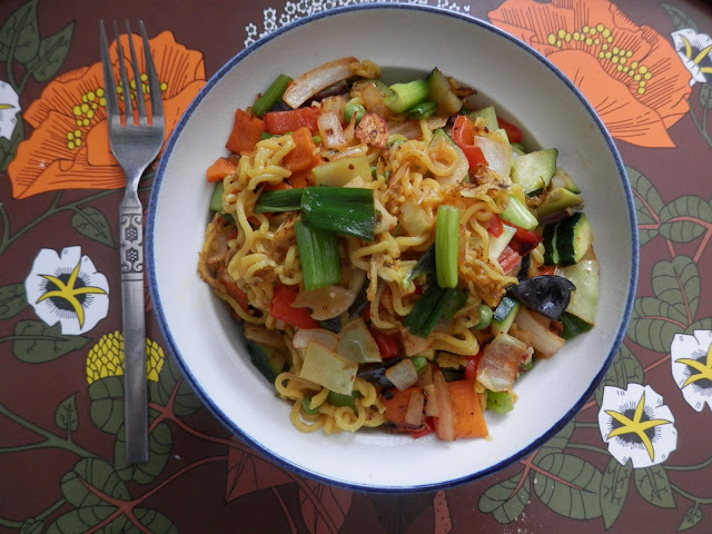 What I ate in a day, a day of yummy vegan meals. By UK vegan blogger secondhandsusie.blogspot.com #vegan #veganblog #whatIateinaday #ukveganblog