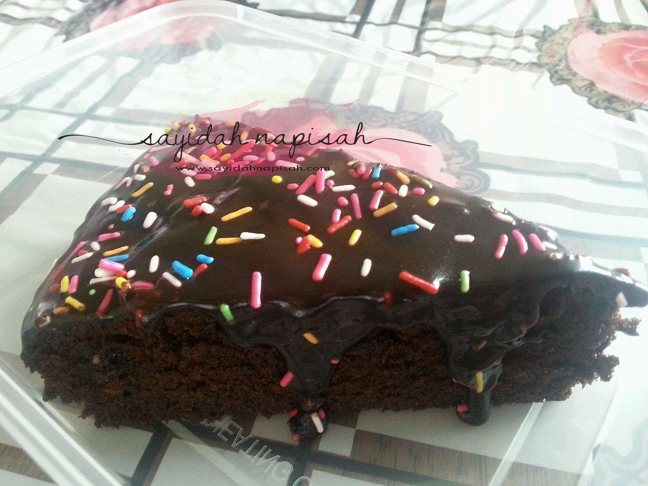 Resepi Kek Coklat Kukus Moist | Mudah, Sedap, Lembut & Meleleh