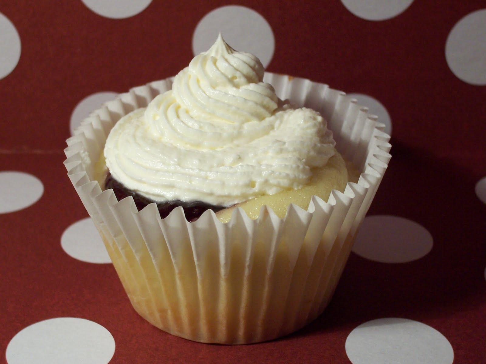 faking fancy cupcakes april 2011