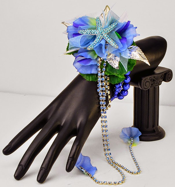 On Trend prom 2015 Brooch corsages #PromFlowers
