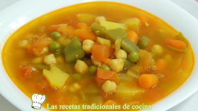 Sopa de verduras con garbanzos Receta fácil y rápida