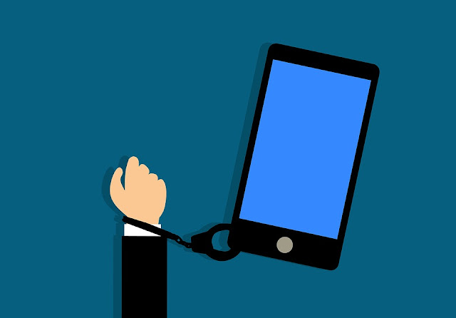 اضرار استخدام الهاتف المحمول والاب توب