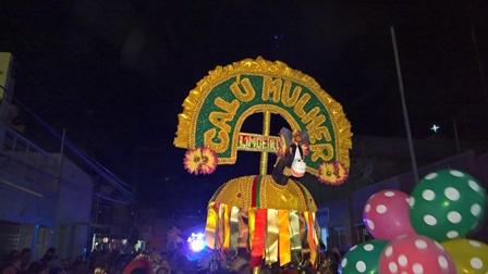 Bloco Calú Mulher invade as ruas de Limoeiro ao som do autêntico frevo pernambucano