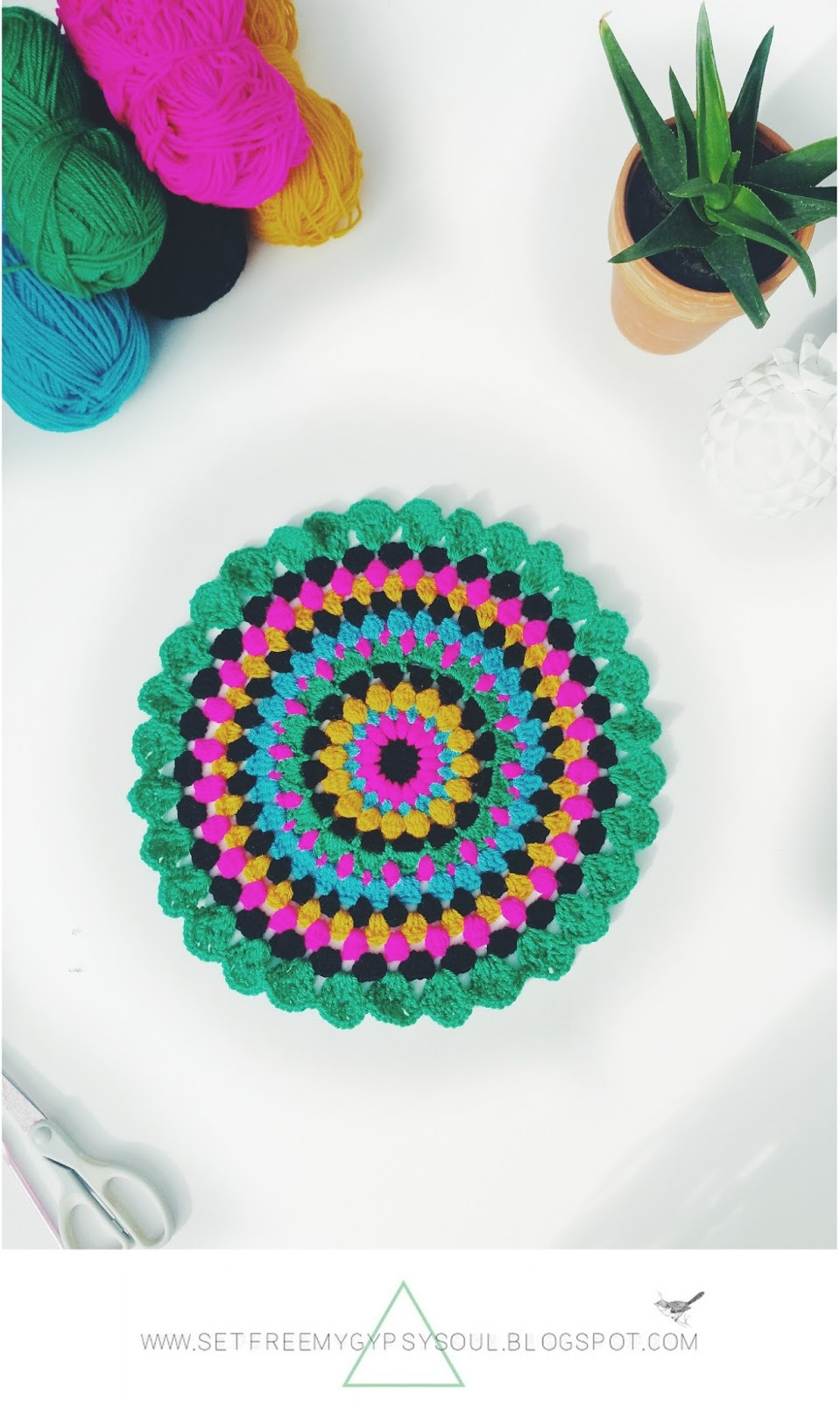 free crochet pattern mandala bohemian boho bright folk floral easy colorful colour