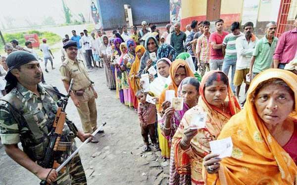 विधानसभा चुनाव - पश्चिम बंगाल के 56 सीटों पर वोटिंग