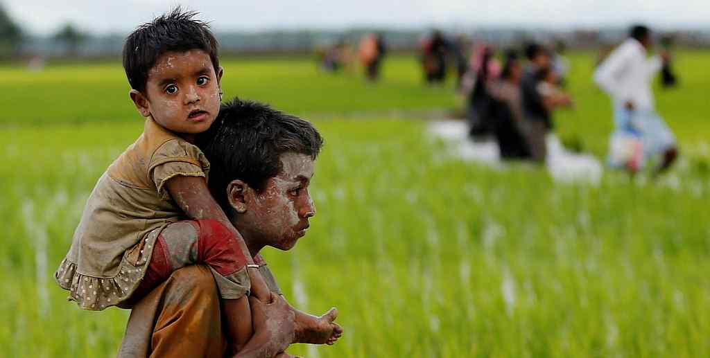 This 7 Year Old Rohingya Fled Myanmar Carrying his Baby Brother for 6 days Through Bangladesh Border
