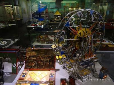 Παλιό συναρμολογούμενο, κατασκευή από το μουσείο των παιχνιδιών / Old building toy from the Toy Museum in Nuremberg