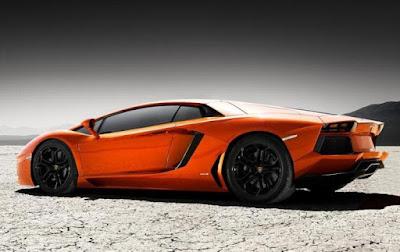Lamborghini Aventador Performance: top speed 350 Km/h