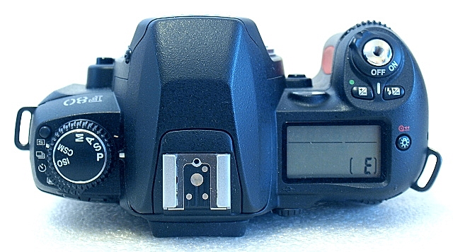 Nikon F80, Top