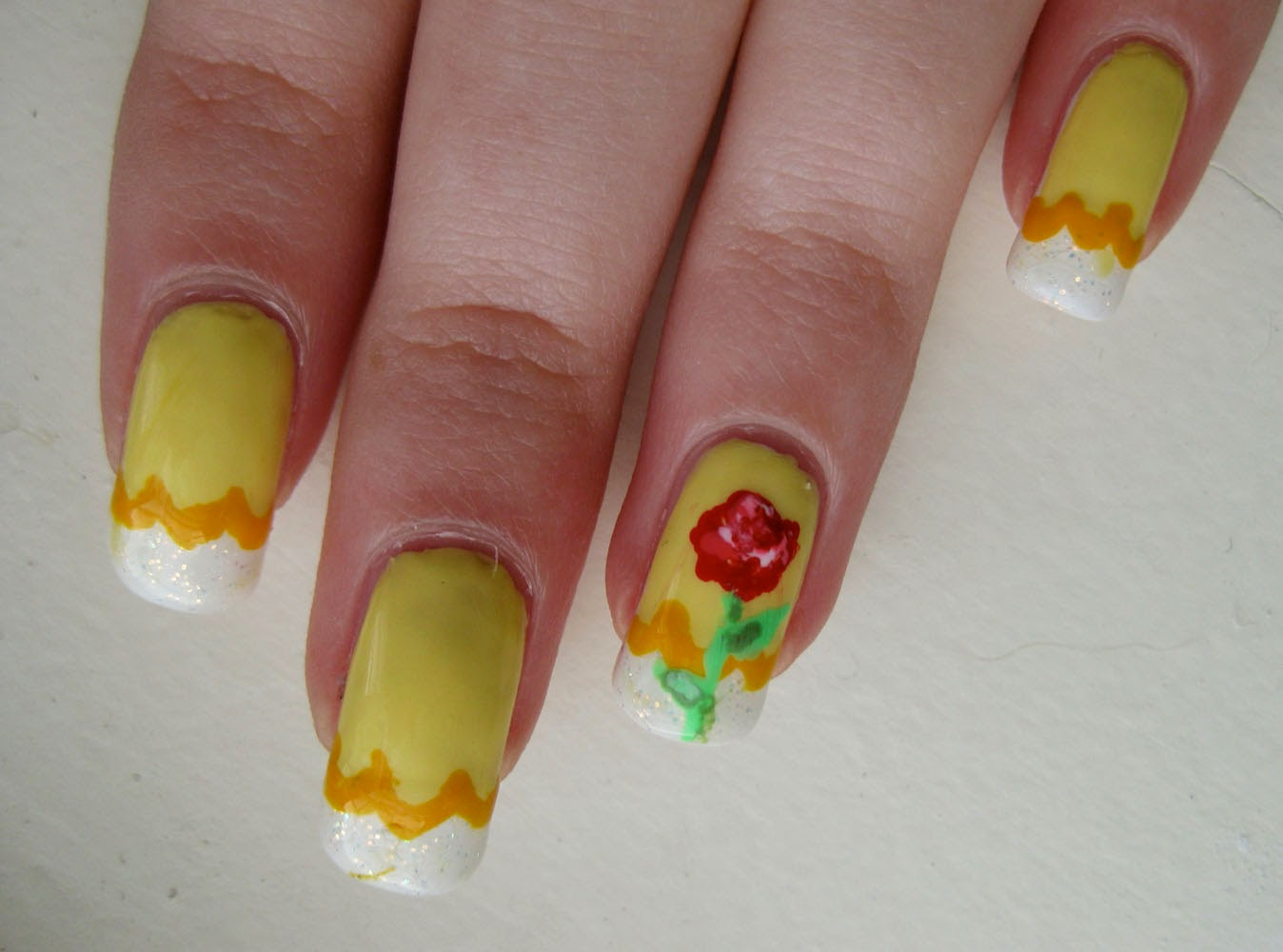 Beauty and the Beast Nailshttp://nails-side.blogspot.com/