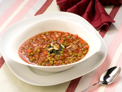 Serve this healthy green dish to your family and enjoy the old traditional taste of the m Green Peas with Meat Recipe