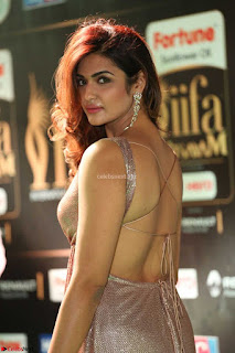 Aarthi New Actress in Backless Golden Body Hugging Gown at IIFA Utsavam Awards 2017  Day 2  Exclusive