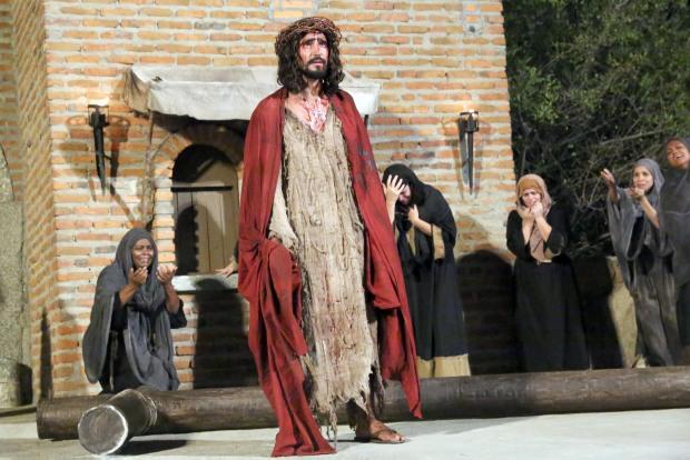 Mais de 7 mil pessoas assistem a estreia da Paixão de Cristo de Nova Jerusalém