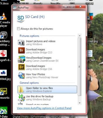 Auto Play ketika SD Card dimasukkan kedalam port Laptop