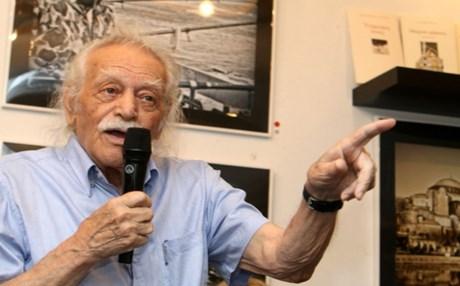 ΤΙ ΕΙΠΕ βουλευτής του ΣΥΡΙΖΑ στον Μαν. Γλέζο! «Χρειαζόμαστε Ψυχιατρείο...»